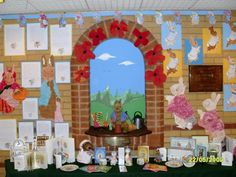 A wonderful display celebrating children's work, linked to the stories about Peter Rabbit by Beatrix Potter. Class Displays, Classroom Displays, Display Boards, Display Ideas, Rabbit Crafts, Book Week, Working With Children, Peter Rabbit, Beatrix Potter