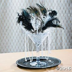 Roaring 20s / The Great Gatsby Centerpiece Idea #decor