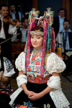 Poniky, Slovakia wedding Traditional Wedding, Traditional Outfits, Folk Costume, Costumes, Modern India, Folk Clothing, Ethnic Outfits, Europe Fashion, Folk Fashion
