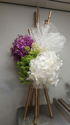 E-mail - Linda Roy - Outlook - Leafist - Arranjos Tropical Flower Arrangements, Funeral Flower Arrangements, Beautiful Flower Arrangements, Funeral Flowers, Wedding Flowers, Deco Floral, Arte Floral, Flower Decorations, Wedding Decorations