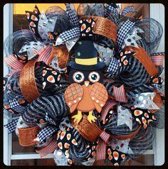 Candy Corn Owl Halloween Wreath by StephsDoorDecor #halloweenwreath #falldecor