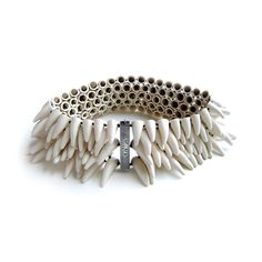 Peter Hoogeboom - 'Show your Teeth'. Necklace. Ceramic, silver and silk