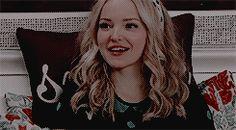 V Vampire Diaries, Dove Cameron Style, I Kissed A Girl, Thomas Doherty, Disney Stars, Famous Girls, Aesthetic Gif, Girl Gifs, Celebs