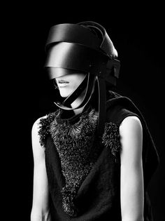 Designer - Barbara  I'Gongini  Source: strangelycompelling - http://strangelycompelling.tumblr.com/