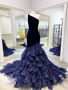 Pretty Wedding Dresses Collection Pageant Dresses For Women, Pageant Gowns, Ball Dresses, Prom Dresses, Organza Wedding Dresses, Wedding Dresses With Black, Ombre Wedding Dress, Black And Blue Dress, Ball Gowns Prom