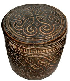 Rare Toraja covered container carved and polychromed ( ex collection Linda Pastorino archives sold Singkiang)