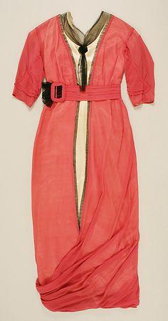 Dress Date: 1913–15 Culture: American or European Accession Number: C.I.42.82.2