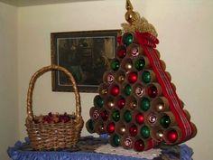 Výsledok vyhľadávania obrázkov pre dopyt vianočný stromček z roliek toaletného papiera