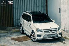 Mercedes Benz rolling on a set of Vellano VTV Concave Mercedes Benz Autos, Mercedes Benz Gl Class, Suv Trucks, Suv Cars, Best Car Photo, 3rd Row Suv, Luxury Suv, Dream Cars, Maybach