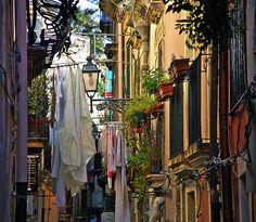 Italy, photo via bisognodamore