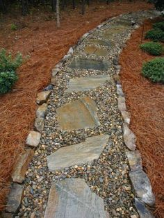 30 Simple and Eye Catching Cheap Walkway Ideas to Beautify Your House River Rock Gehwege Flagstone Pathway, Gravel Walkway, Backyard Walkway, Concrete Walkway, Wooden Walkways, Backyard Ideas, Outdoor Walkway, Sloped Backyard, Outdoor Stone