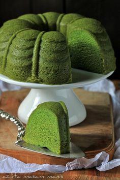 Kek LUMUT: Steamed cake made from horlicks, sweetened condensed milk and kaya
