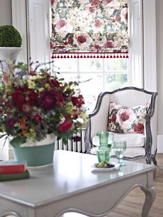 Not into floral, but a pattern shade adds color. Clover and Thorne window roman blind. #Clover&Thorne