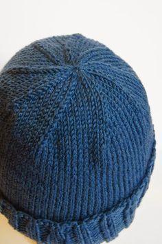 272 Best Kindermütze stricken images in 2020 Poncho Knitting Patterns, Knitting Blogs, Knitted Poncho, Knitting Projects, Knitting Socks, Knitted Hats, Crochet Patterns, Crochet Baby Hats, Knit Crochet