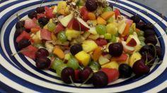 Frisches Obst mit karamelisierten Kernen