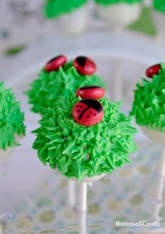 Cake Pops infantiles de chocolate. Chocolate cake pops for kids.
