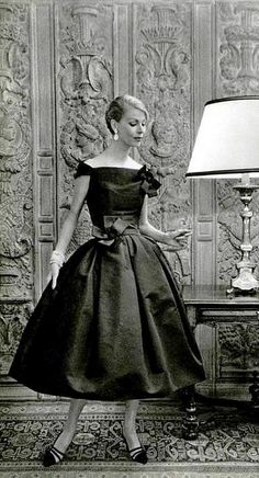 Italian Socialite Felicidade de Sousa Campos is wearing a Creation of Christian Dior in 1957.