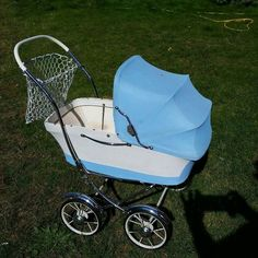 FINN – 'dukkevogn', Leker, Torget Vintage Pram, Vintage Dolls, Dolls Prams, Kids And Parenting, Baby Strollers, Retro, Children, Color, Kids Wagon