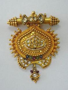 vintage 22k gold pendant necklace polki diamond gemstones rajasthan india