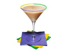 KING CAKE COCKTAIL* // oz Cake Vodka (or use 2 oz Vanilla-flavored Vodka plus 2 drops Almond Extract*) oz Grand Marnier oz Baileys Irish Cream >>RIM: Green, Purple and Gold Sanding Sugar >Garnish: dust with Ground Cinnamon Party Drinks, Cocktail Drinks, Cocktail Recipes, Cocktails, Martini Recipes, Alcoholic Beverages, Drink Recipes, Mardi Gras Drinks, Mardi Gras Food