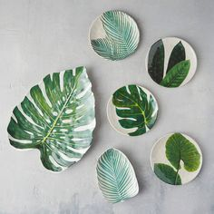 Best Melamine Plates For Summer 2018 Outdoor Dinnerware Tropical Home Decor, Tropical Interior, Tropical Colors, Tropical Houses, Tropical Furniture, Tropical Kitchen, Tropical Leaves, Ceramic Pottery, Ceramic Art