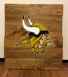 MINNESOTA VIKINGS PALLET ART https://www.etsy.com/listing/208213843/hand-painted-team-logos-symbols-on?ref=shop_home_feat_1