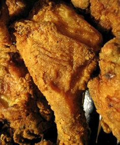 The take away restaurant provides fresh fish, pizza alongside southern fried chicken and more at 025 42020