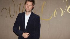 Burberry boss Christopher Bailey takes 75% pay cut - BBC News