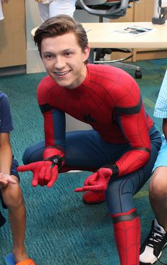 General picture of Tom Holland - Photo 100 of 131