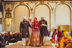 bride enters for sikh marriage ceremony (jj valaya lengha & tarun Tahiliani outfits)