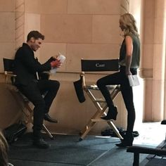 the Originals season5★episode1 behind the scene Klaus and Caroline credit @cadlymack instagram stories #theoriginals #josephmorgan…