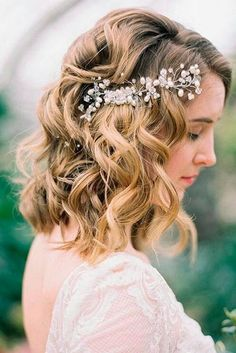 33 Most Popular Hairstyles for Weddings to Look Incredible Gorgeous wedding hairstyles for shoulder length hair picture 6 Wedding Hairstyles For Medium Hair, Wedding Hairstyles Half Up Half Down, Short Wedding Hair, Wedding Hair Down, Wedding Hair And Makeup, Bride Hairstyles, Down Hairstyles, Popular Hairstyles, Hairstyle Ideas