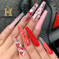 The 45 pretty nail art designs that perfect for spring looks 7 Valentine's Day Nail Designs, Cute Acrylic Nail Designs, Nails Design, Nail Swag, Bling Acrylic Nails, Gel Nails, Coffin Nails, Stiletto Nails, Nagel Bling