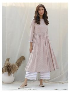 Latest Fashion Dresses, Indian Fashion Dresses, Dress Indian Style, Indian Designer Outfits, Indian Outfits, Designer Dresses, Emo Outfits, Indian Gowns, Trendy Outfits