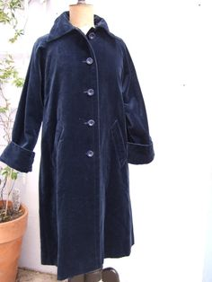 Vintage Velvet Coat French  Dark Navy Fully by JacquelineMcEwan, €55.00