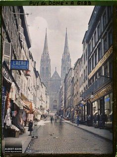 Clermont Ferrand, Street View, France, Culture, Antique Pictures, Cities, History, Watercolor Painting, Travel