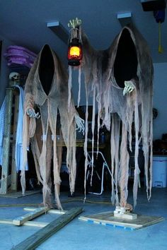 cloaked ghost decoration for 2015 Halloween - skeleton, lantern - Most creepy & creative Halloween ghost decoration ideas that you will like 2015 by 2014Fashionideas