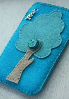 DIY PDF Pattern felt iPhone cover Woodland by littleZ on Etsy, €3.95