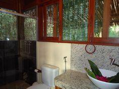 Maloka for ayahuasca ceremonies - El Jardin de la Paz healing centre ...
