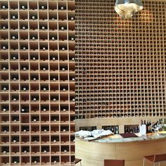Who wants a bottle rack like this? And mainly Rioja wines#turism #winetours #travel #wine #winelover #turismo #enoturismo #experience #winetastelovers #riojawine #gastronomía #visitSpain #vino #viaje#tapas #winetasting #instariojawine #gastronomy #instawinetours #winecountry #wineries #worldplaces #winetrip #winetravel#viajar #grapevines #winetourism #wineregion #lp