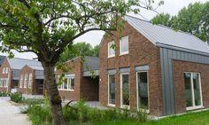 Zinken fels dak materiaal : NedZink NOVA Nova, Outdoor Decor, Plants, Home Decor, Decoration Home, Room Decor, Plant, Home Interior Design, Planets