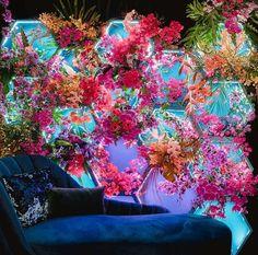Flower Decorations, Wedding Decorations, Flower Installation, Flower Wall Backdrop, Decoration Inspiration, Shop Interior Design, Event Decor, Bunt, Flower Power