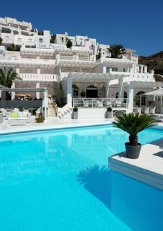 Ios Palace Hotel: One of the places I stayed at during my Greek island hopping adventure (2007).