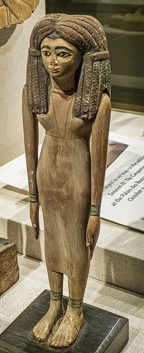 Wooden figurine of a woman Egypt Middle Kingdom 12th Dynasty 1900-1800 BCE | by mharrsch