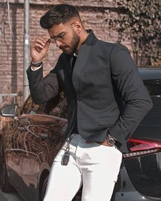 ✅Tag your friends 👬 ♻️like ❤️ and comment 💬 Mens Fashion Suits, Mens Suits, Stylish Men, Stylish Outfits, Strong Woman Tattoos, Beard Suit, Style Costume Homme, Handsome Arab Men, Luxury Couple
