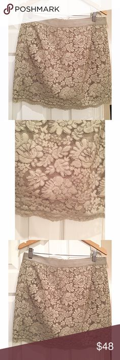 J Crew forest green lace mini skirt size 10 Mint conditions This is a modest yet shorter and understated deep green skirt with modest light green and gray lace Size 10 by J Crew. Easy for fun occasions as well as easy to dress up. J. Crew Skirts Mini