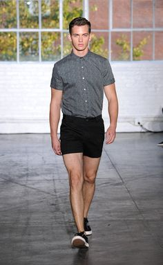 I think I can pull this look off :D Parke and Ronen Spring-Summer 2015 Men's Collection Only Fashion, Fashion News, Men's Fashion, Fashion Trends, Fashion Show Collection, Men's Collection, Latest Mens Fashion, Spring Summer 2015, Shorts