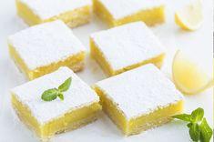 Une recette facile de biscuit sablé et crème au citron idéale pour découper en petits carrés et à partager, aussi appelée Lemon Square.