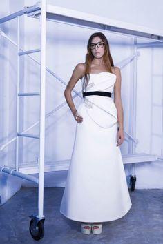 Huye del convencionalismo y luce un vestido de novia de Roberto Diz 2016. ¡Te sorprenderán! Image: 10