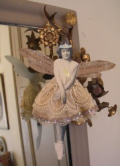 Oh the ideas Im getting from this! I can see it in my head now- my BFF house full of ME LOL Noel Christmas, Vintage Christmas, Christmas Crafts, Christmas Ornaments, Collage, Paper Dolls, Art Dolls, Paper Art, Paper Crafts